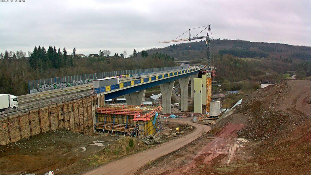 Montagehilfskonstruktionen für Brückenneubau – Marbach